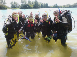 In2scuba Open Water Students training at Leybourne lakes!